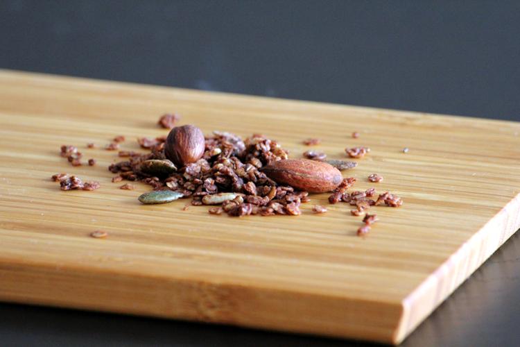 Müsli med kakao, nødder og kerner